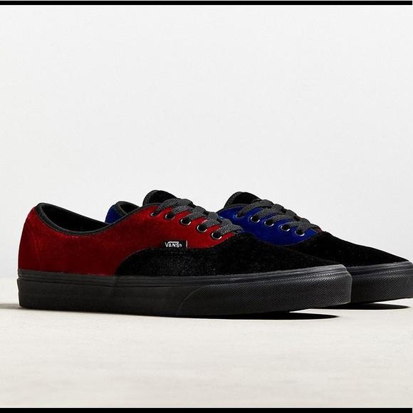 f55fdf9de2e 10- Vans Colorblock Velvet Authentic Sneaker